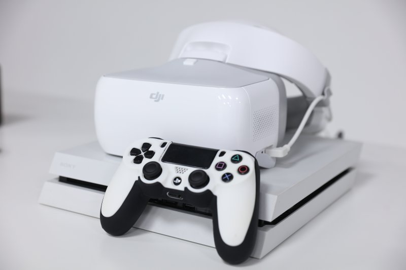 DJI Goggles – How to Play Games and Watch Movies